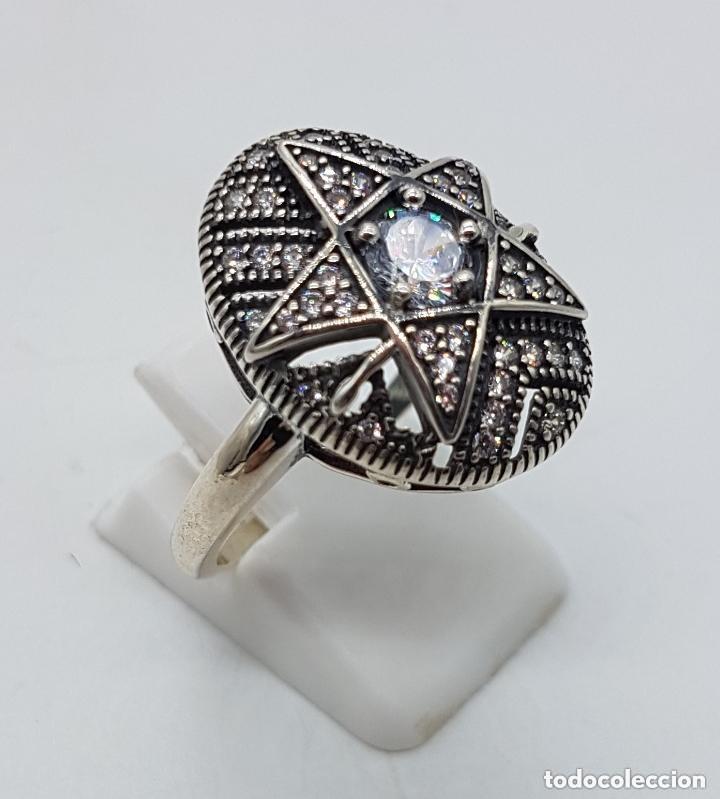 Joyeria: Precioso anillo en plata de ley ovalado, cincelado con forma de estrella y circonitas engarzadas . - Foto 4 - 173790150