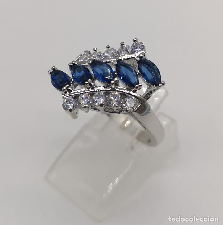Joyeria: Elegante anillo de lujo chapado en plata de ley, circonitas y zafiros talla marqués creados . - Foto 2 - 174037082