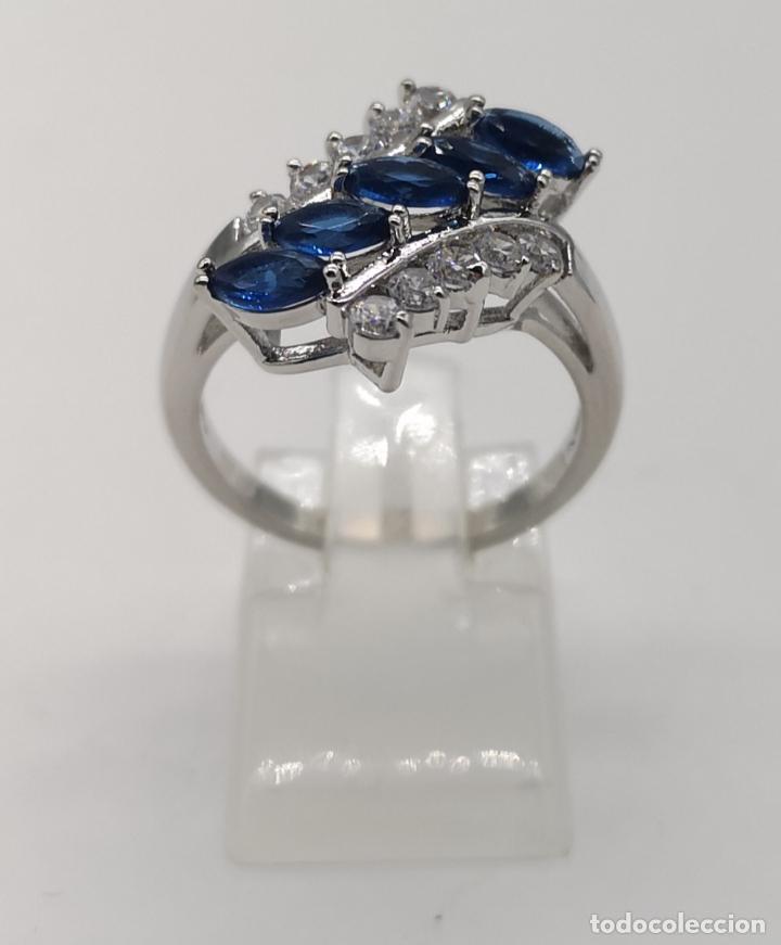 Joyeria: Elegante anillo de lujo chapado en plata de ley, circonitas y zafiros talla marqués creados . - Foto 3 - 174037082