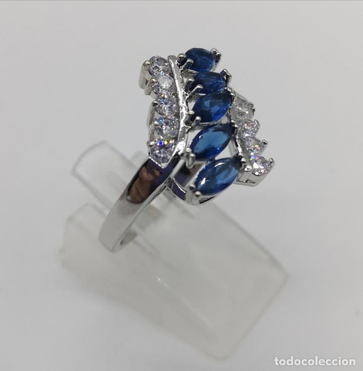 Joyeria: Elegante anillo de lujo chapado en plata de ley, circonitas y zafiros talla marqués creados . - Foto 4 - 174037082