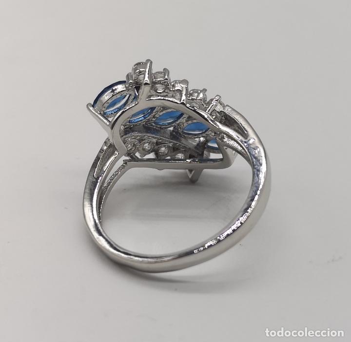 Joyeria: Elegante anillo de lujo chapado en plata de ley, circonitas y zafiros talla marqués creados . - Foto 5 - 174037082