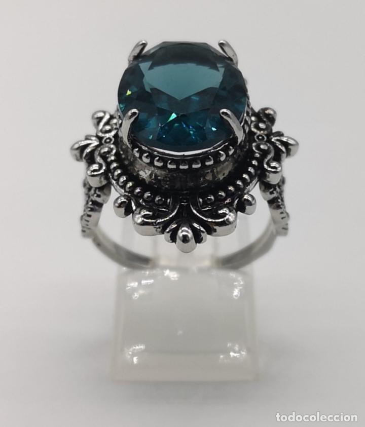 Joyeria: Magnífico anillo de estilo gótico con acabado en plata de vieja y cristal austriaco azul talla oval - Foto 5 - 275614268