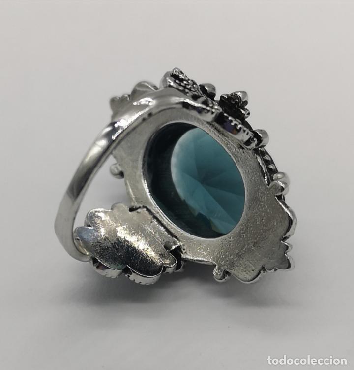 Joyeria: Magnífico anillo de estilo gótico con acabado en plata de vieja y cristal austriaco azul talla oval - Foto 6 - 275614268