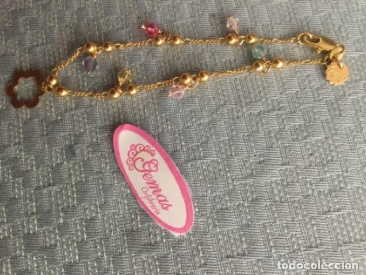 Joyeria: Pulsera de oro laminado de 18 kilates con colgantes y contraste de autenticidad Mide 18 cm. largo. - Foto 2 - 175076707