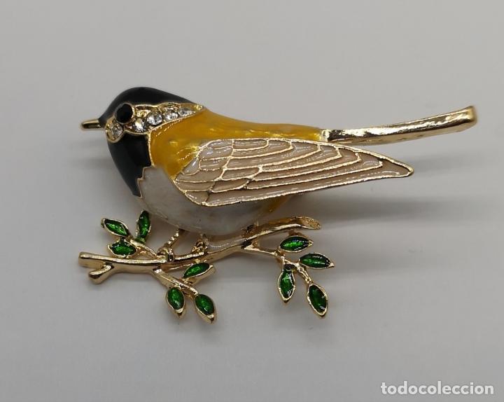 Joyeria: Precioso broche de gorrion con acabado en oro, esmaltes al fuego y circonitas talla brillante . - Foto 5 - 187595686