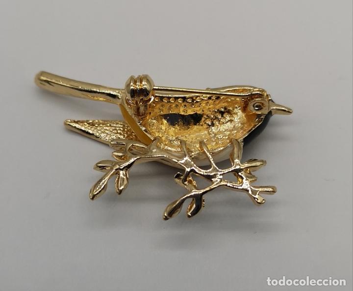 Joyeria: Precioso broche de gorrion con acabado en oro, esmaltes al fuego y circonitas talla brillante . - Foto 6 - 187595686