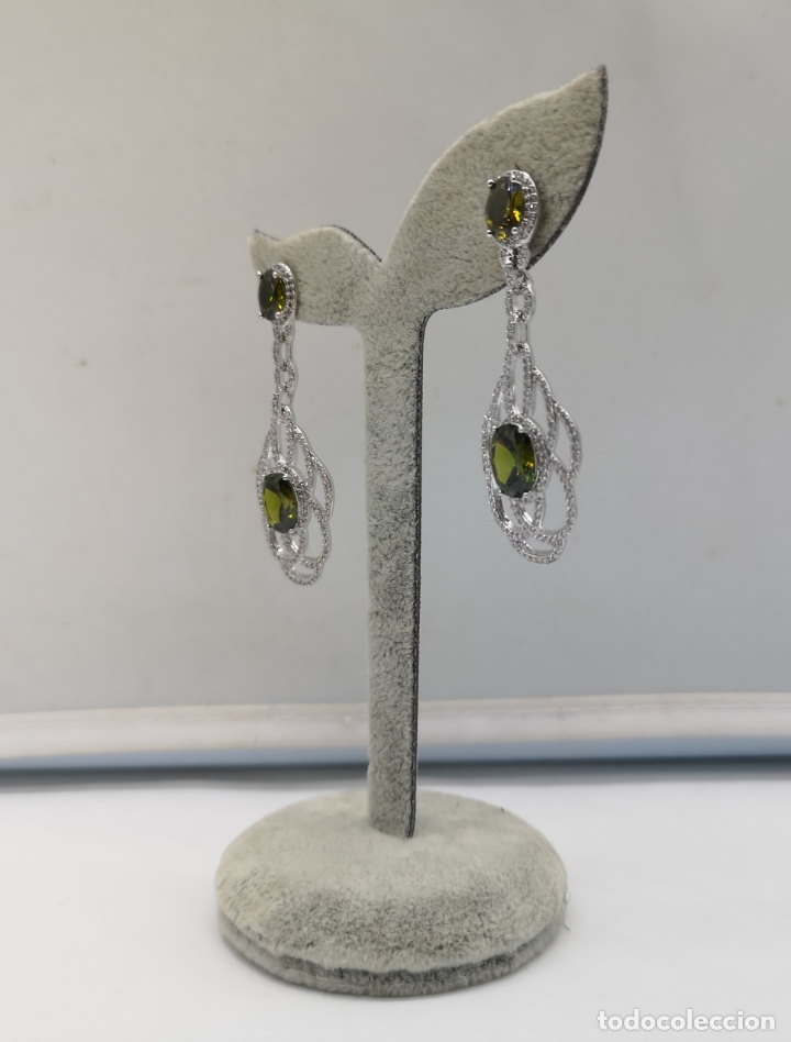 Joyeria: Magníficos pendientes de lujo tipo art decó, en plata de ley laminada, circonitas y olivinas creadas - Foto 4 - 175262777