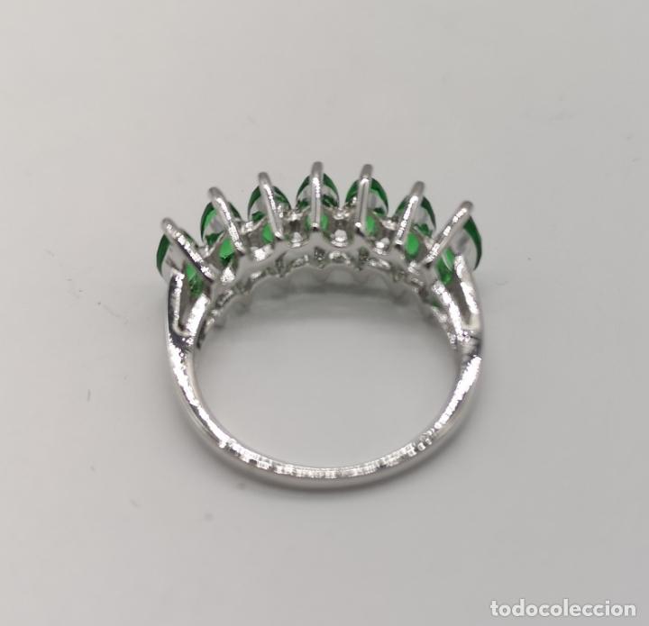 Joyeria: Preciosa sortija en plata de ley laminada con esmeraldas talla marqués creadas y engarzadas . - Foto 6 - 227004785