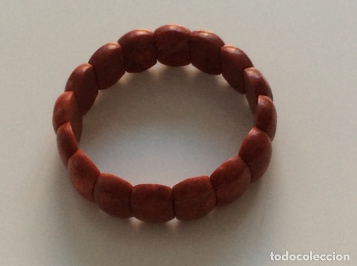 Joyeria: Pulsera tipo brazalete de coral. Extensible - Foto 3 - 175518658