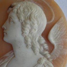 Joyeria: CAMAFEO TALLADO EN CONCHA. FIGURA DE ARCANGEL. ÉPOCA VICTORIANA. ITALIA. SIGLO XIX.. Lote 176047692