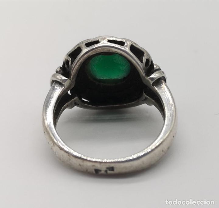Joyeria: Anillo antiguo en plata de ley bellamente cincelada con cabujón de jade autentico . - Foto 5 - 176946079