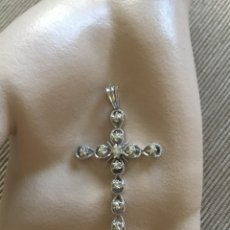 Joyeria: EXCLUSIVA CRUZ DE ORO BLANCO DE 18 KT CON DIAMANTES. Lote 177371633