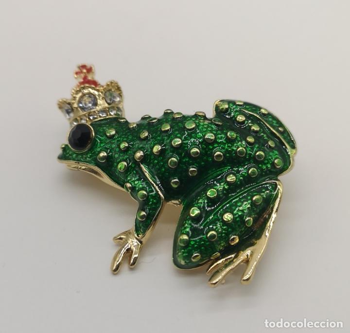 Joyeria: Bello broche de estilo vintage, principe rana con baño de oro, esmaltes y circonitas talla brillante - Foto 4 - 266155783