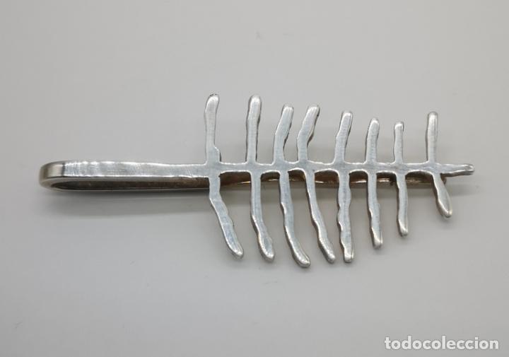 Joyeria: Clip o pinza de corbata de diseño minimalista en plata de ley maciza . - Foto 4 - 177467790