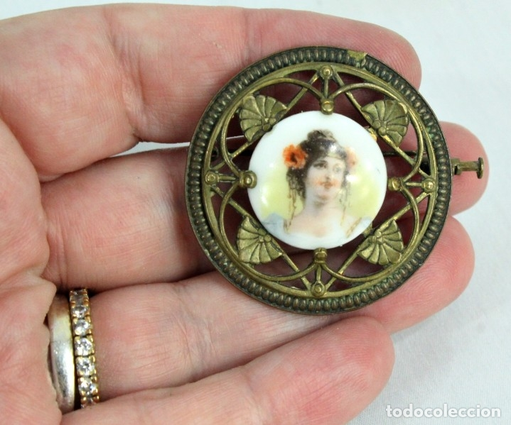 Joyeria: Precioso broche con central de camafeo de porcelana, bronce Ligero, Art Nouveau fines s XIX - Foto 3 - 177474525