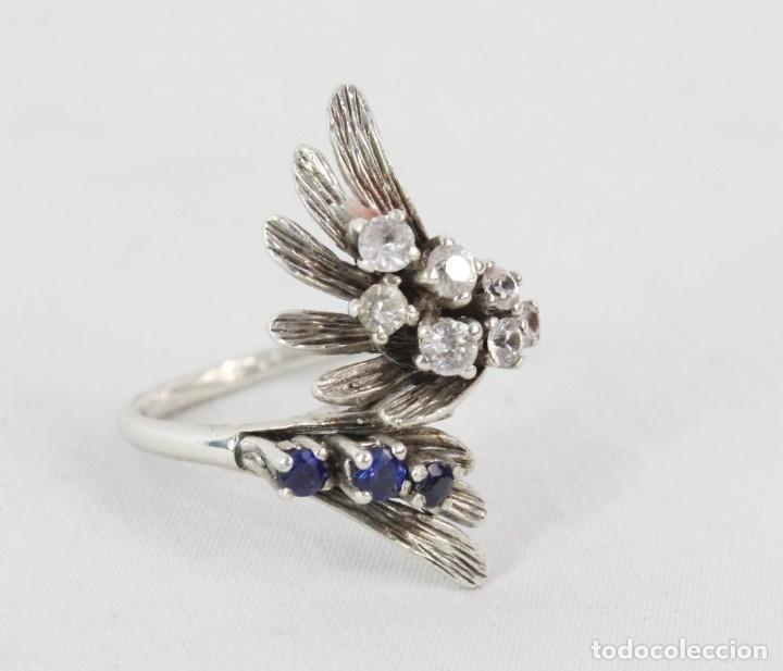 Joyeria: Precioso anillo pps s XX en plata diseño elegante y bellísimo. Cristales engarzados. - Foto 2 - 177477599