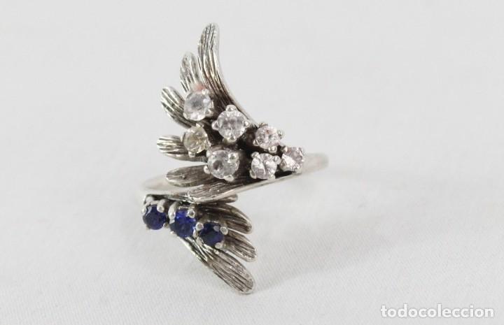Joyeria: Precioso anillo pps s XX en plata diseño elegante y bellísimo. Cristales engarzados. - Foto 3 - 177477599