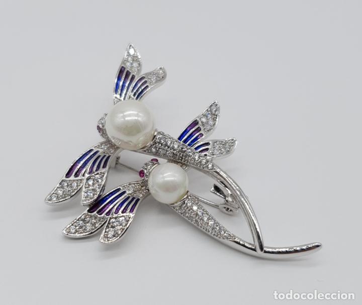 Joyeria: Espectacular broche de lujo estilo art decó chapado en oro blanco de 18k, circonitas y perlas . - Foto 2 - 177834169