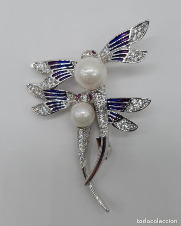 Joyeria: Espectacular broche de lujo estilo art decó chapado en oro blanco de 18k, circonitas y perlas . - Foto 5 - 177834169