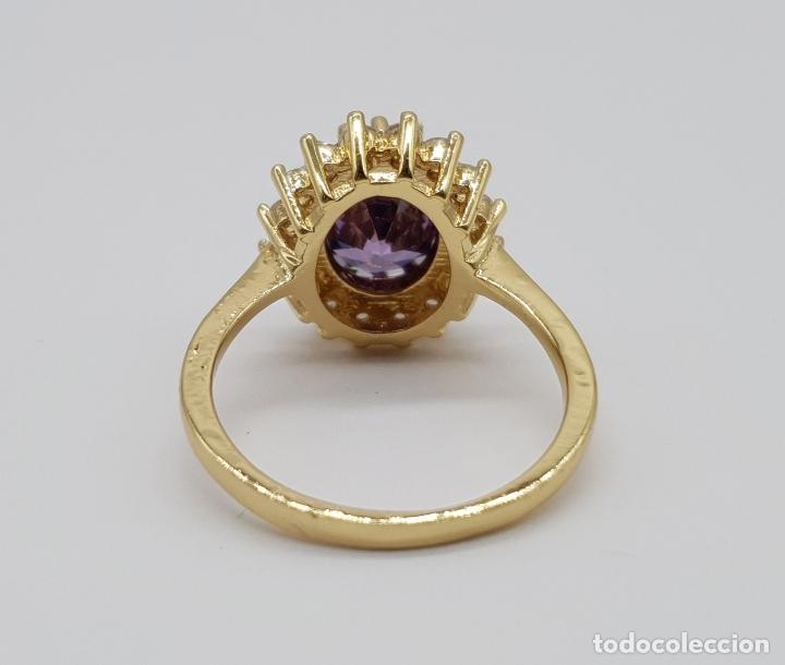 Joyeria: Bella sortija vintage chapada en oro de 18k, circonitas talla brillante y amatista talla oval . - Foto 5 - 177944064