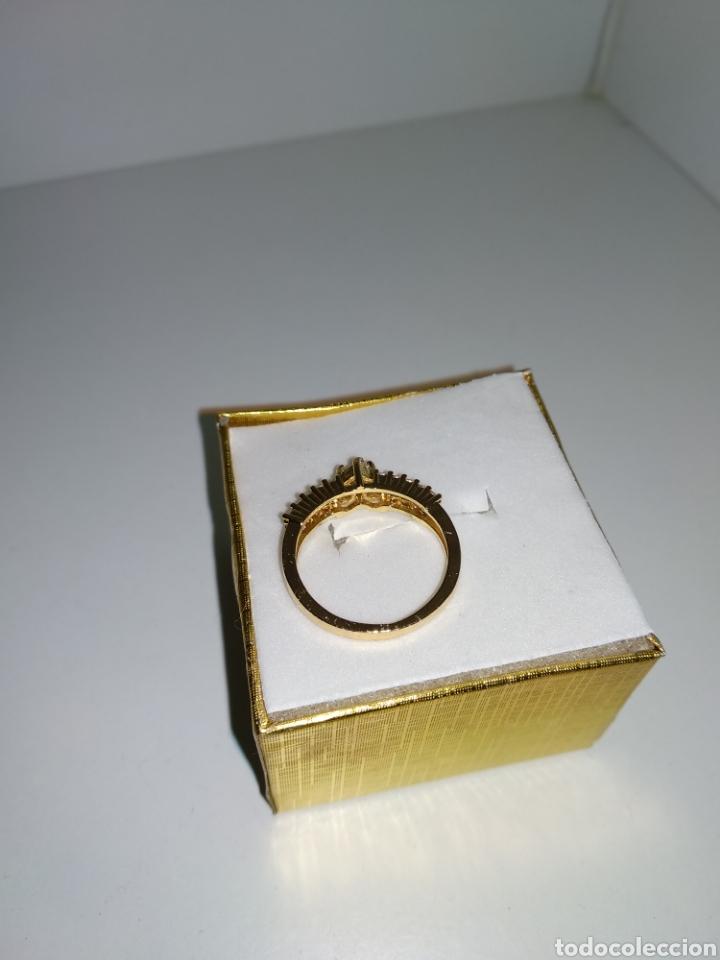 Joyeria: Anillo de oro laminado con piedras artificiales, - Foto 2 - 178717173