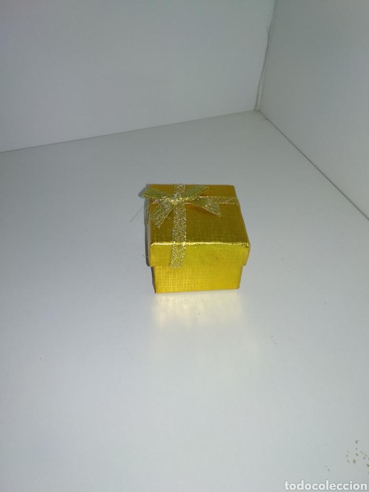Joyeria: Anillo de oro laminado con piedras artificiales, - Foto 5 - 178717173