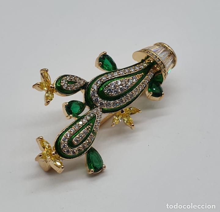 Joyeria: Elegante broche de lujo, cactus chapado en oro de 18k, circonitas, esmaltes, y pedrería engarzada . - Foto 5 - 179016108