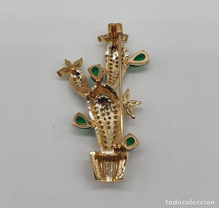 Joyeria: Elegante broche de lujo, cactus chapado en oro de 18k, circonitas, esmaltes, y pedrería engarzada . - Foto 6 - 179016108