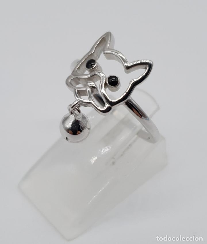Joyeria: Simpatico anillo en plata de ley con la silueta de perro y dije de cascabel en plata de ley 925 . - Foto 2 - 179018270