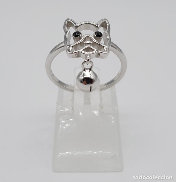 Joyeria: Simpatico anillo en plata de ley con la silueta de perro y dije de cascabel en plata de ley 925 . - Foto 3 - 179018270