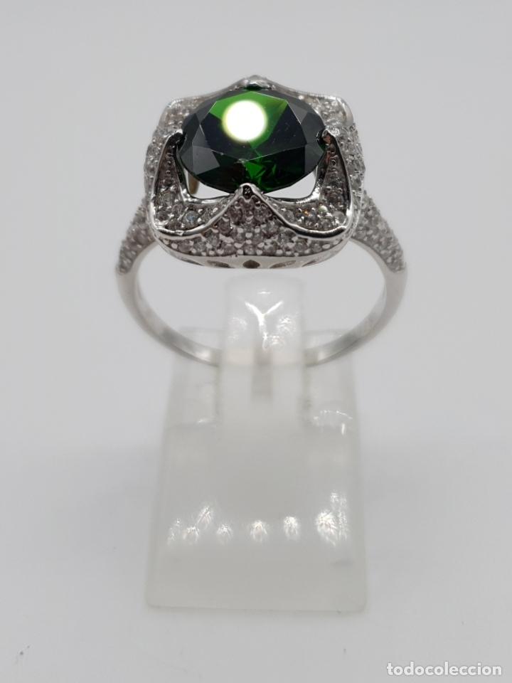 Joyeria: Impresionante anillo de lujo en plata de ley contrastada, pavé de circonitas y esmeralda creada . - Foto 4 - 179039402