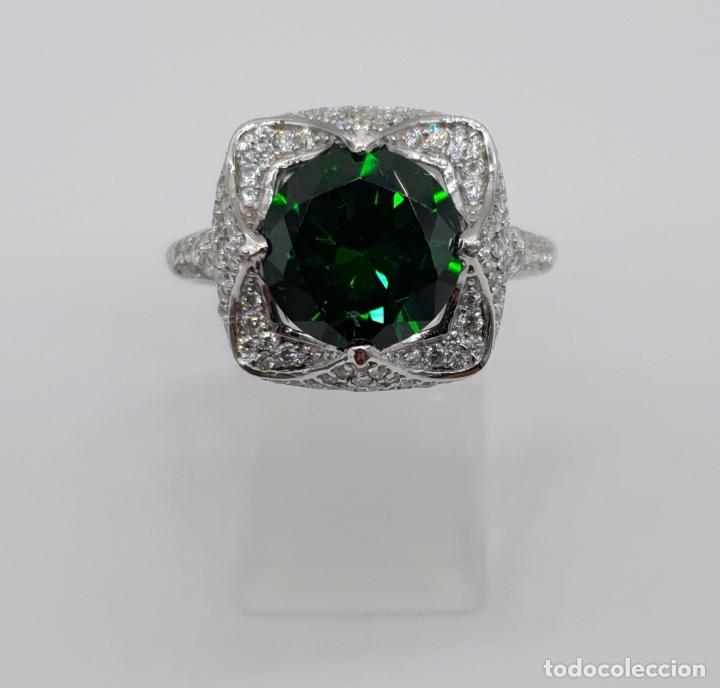 Joyeria: Impresionante anillo de lujo en plata de ley contrastada, pavé de circonitas y esmeralda creada . - Foto 5 - 179039402