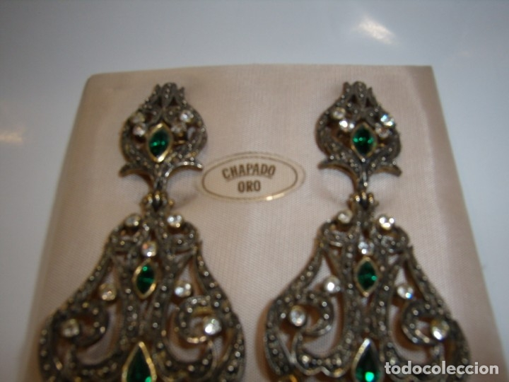 Joyeria: Pendientes largos vintage chapado oro piedra verde, circonios, años 80,cierre omega, Nuevo sin usar. - Foto 2 - 180482887