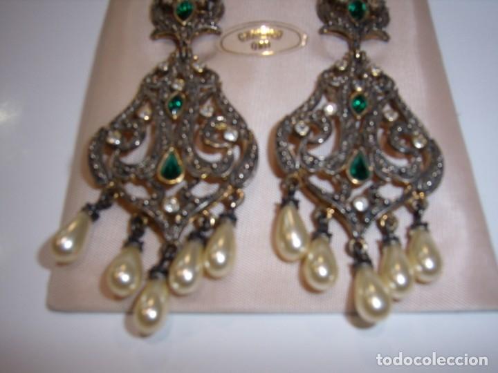 Joyeria: Pendientes largos vintage chapado oro piedra verde, circonios, años 80,cierre omega, Nuevo sin usar. - Foto 3 - 180482887