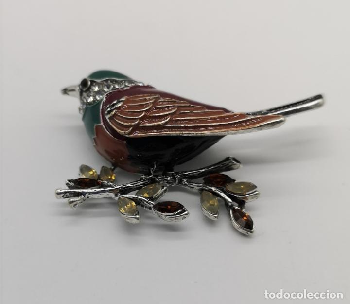 Joyeria: Precioso broche de gorrion con acabado en plata, esmaltes, circonitas talla brillante y pedrería . - Foto 3 - 190438032