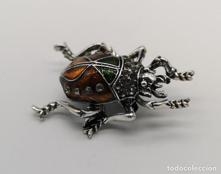 Joyeria: Elegante broche estilo art decó de escarabajo con acabados en plata, esmaltes al fuego y pedrería . - Foto 2 - 180862468