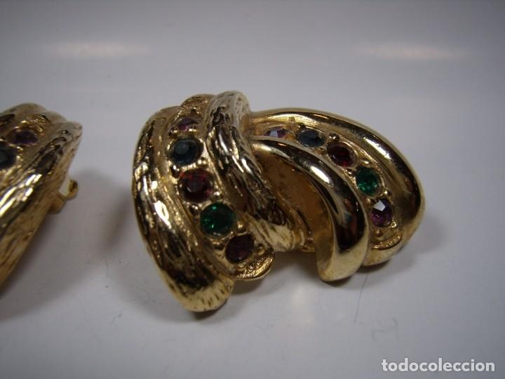 Joyeria: Pendientes vintage,piedras colores, circonios,chapado oro 18 KT,años 80,cierre pinza,Nuevos sin usar - Foto 2 - 180883783