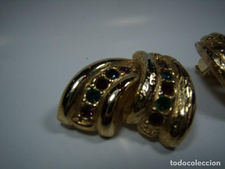 Joyeria: Pendientes vintage,piedras colores, circonios,chapado oro 18 KT,años 80,cierre pinza,Nuevos sin usar - Foto 4 - 180883783