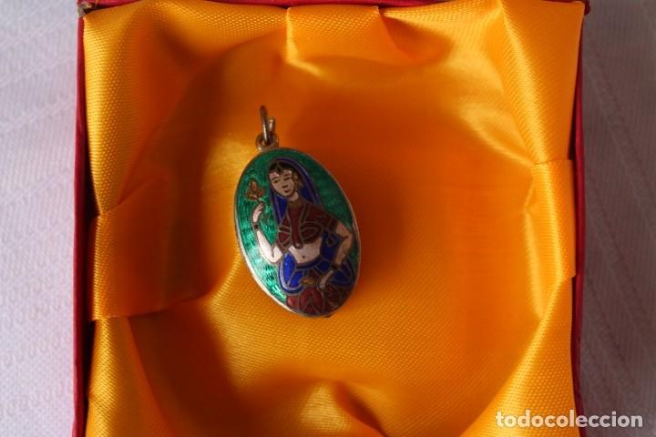 Joyeria: RARO COLGANTE GUARDAPELO VINTAGE CON ODALISCA EN ESMALTE CLOISONNE RUSO SOBRE PLATA - Foto 5 - 181336228