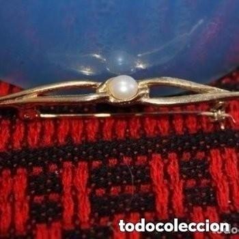 BROCHE DORADO CON PERLA (Joyería - Broches Antiguos)