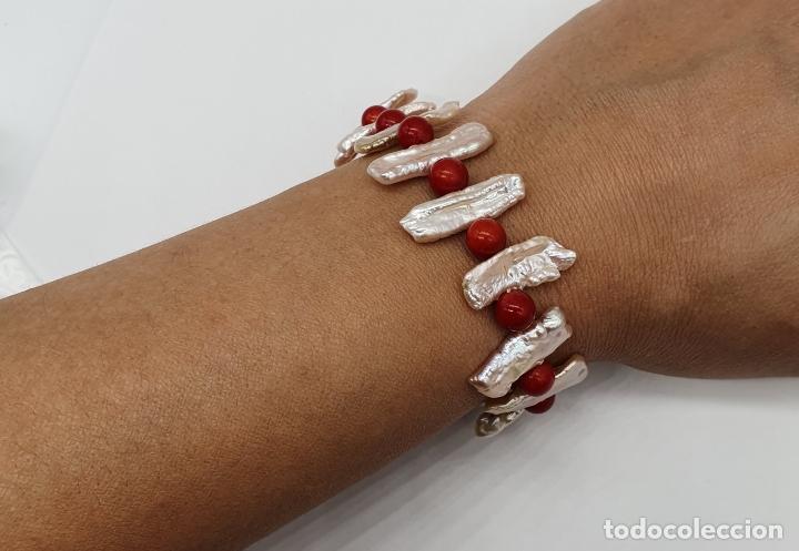 Joyeria: Magnífica pulsera vintage en perlas barrocas autenticas y cuentas de coral, cierre chapado en oro . - Foto 4 - 182084935