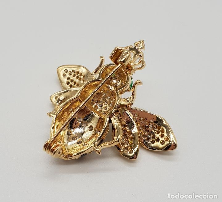 Joyeria: Magnífico broche de lujo con forma de abeja reina con acabado en oro de 18k y pave de circonitas . - Foto 7 - 182950707