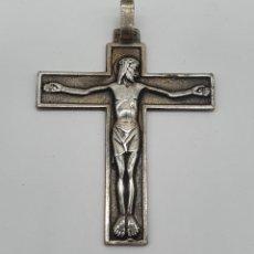 Joyeria: COLGANTE ANTIGUO DE CRUCIFIJO EN PLATA DE LEY MACIZA CON CRISTO EN RELIEVE .. Lote 183518585