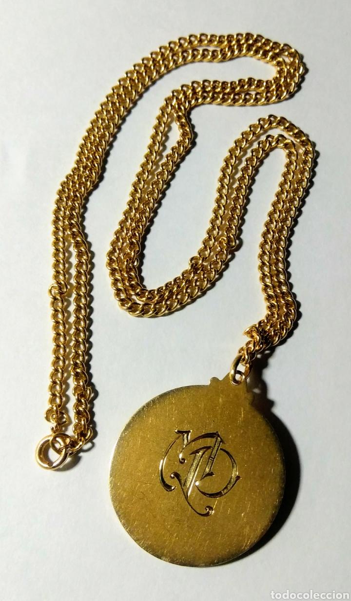 Joyeria: Medalla con cadena, en oro de 18 quilates. Años 20. - Foto 3 - 184151740