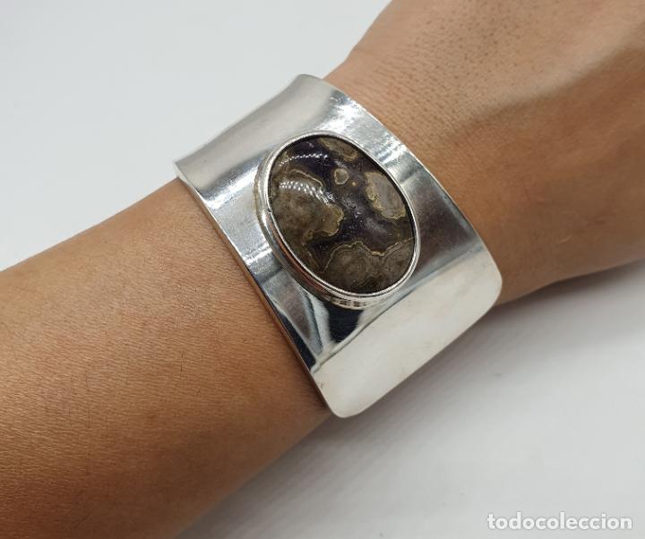 Joyeria: Magnífico brazalete vintage de diseño en plata de ley contrastada con gran cabujon de ágata gris . - Foto 8 - 184799228
