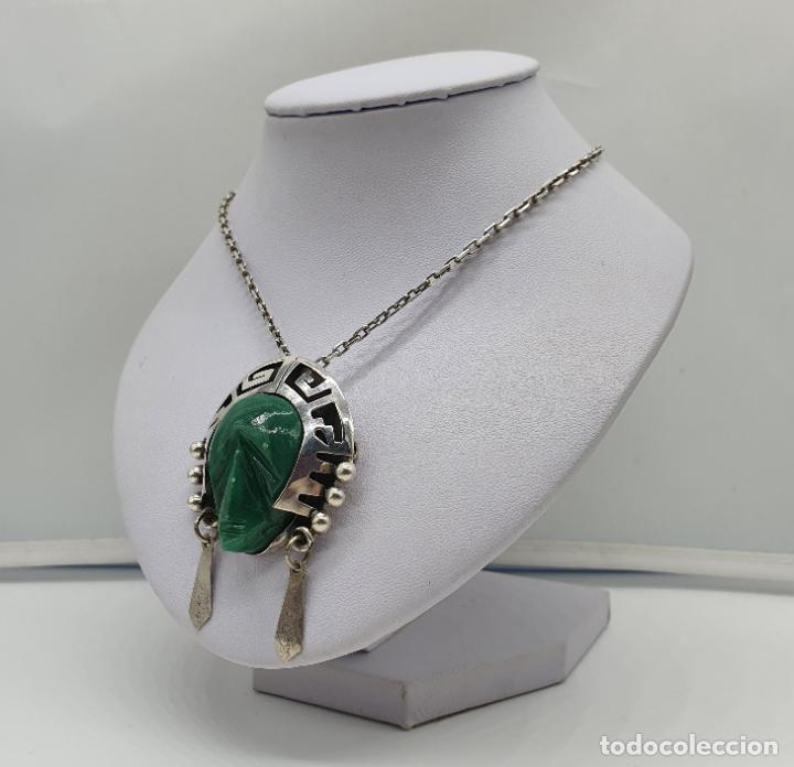 Joyeria: Broche colgante antiguo en plata de ley punzonada y repujada con cabujon de jade, TULUM, MEXICO . - Foto 2 - 184852361