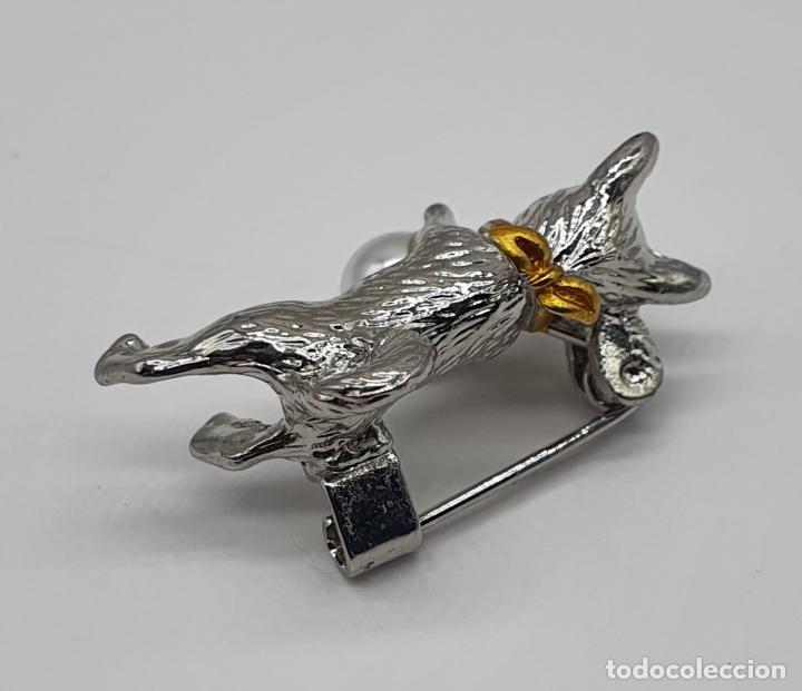 Joyeria: Bello broche de perrito con acabados en plata, oro y perla . - Foto 3 - 186169741