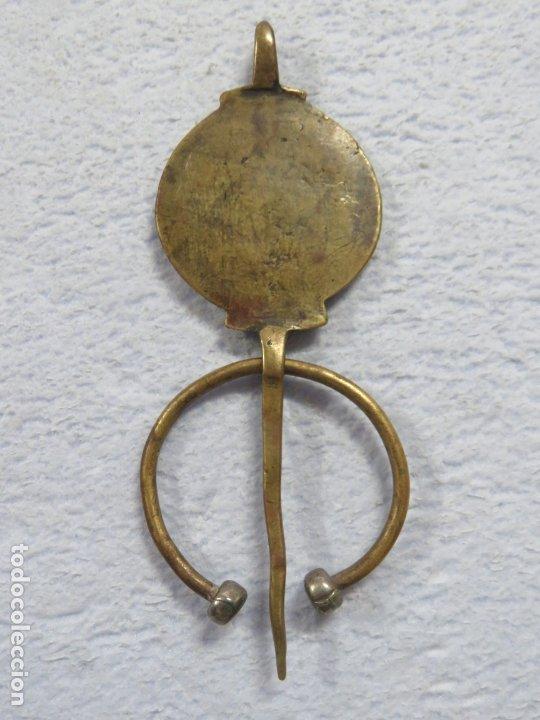 Joyeria: BONITA FIBULA BROCHE DE LA ETNIA BEREBER HECHO EN PLATA Y BRONCE, SIGLO XIX, 51 GRAMOS, 122 MM - Foto 4 - 187775777