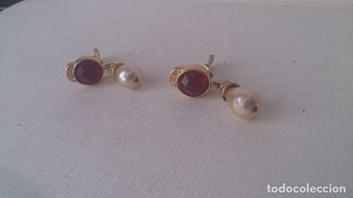 Joyeria: Pendientes metal. Perla y piedra roja m35 - Foto 9 - 190895815