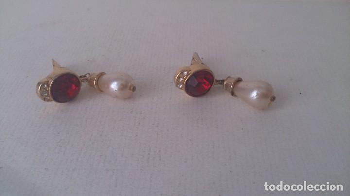 Joyeria: Pendientes metal. Perla y piedra roja m35 - Foto 10 - 190895815